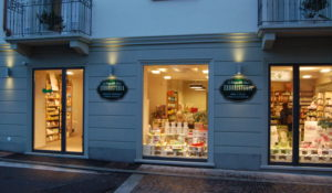 """Shopping """"Sotto le Stelle""""…"""